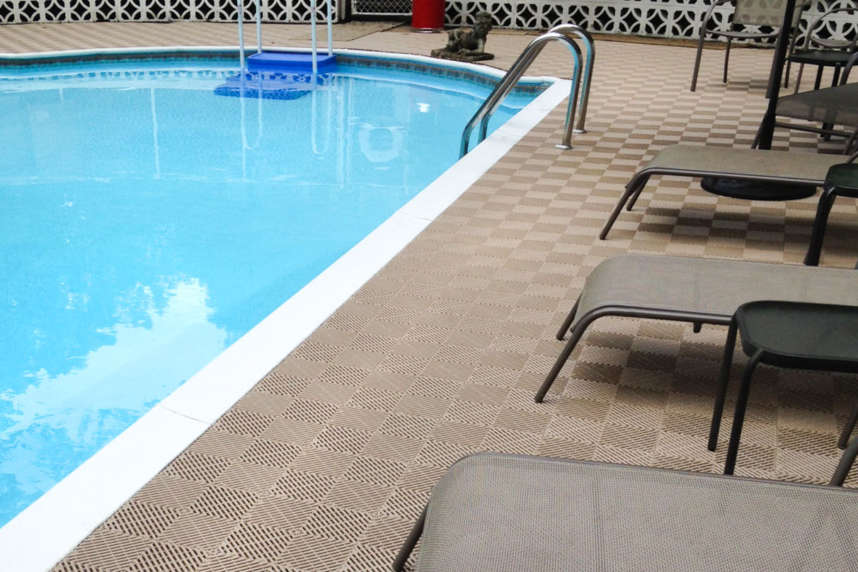 Water Park with DuraGrid Pool Decking